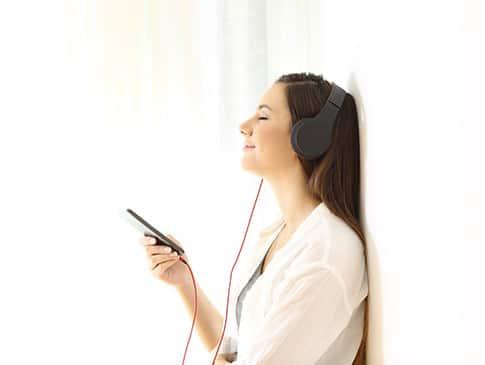 Tinnitus Therapie meide die Stille